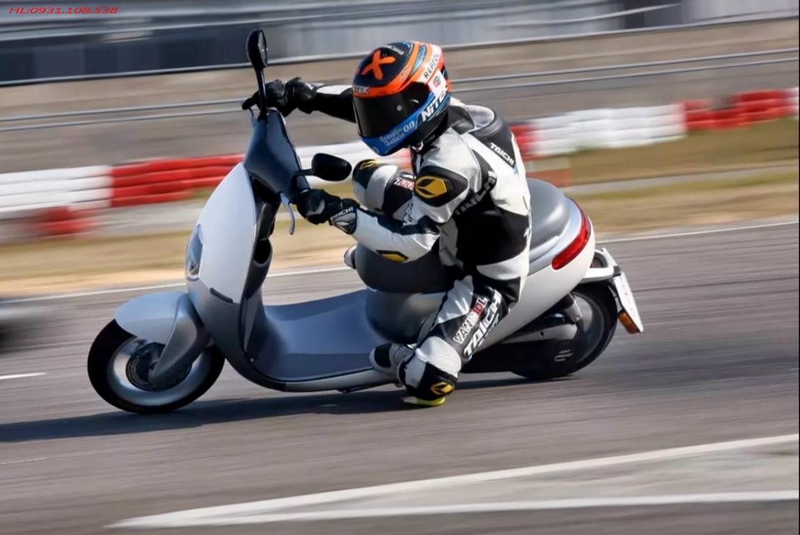 Ecooter-racing-2
