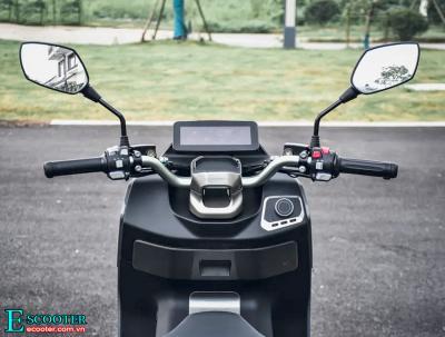 Xe Ecooter E5 2021 chạy 103 km/h, chạy xa 200km 1 lần sạc